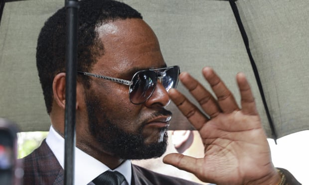 R Kelly arrested on federal sex trafficking charges
