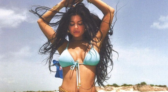 Kylie Jenner rocks vintage Chanel bikini first modeled by Naomi Campbell