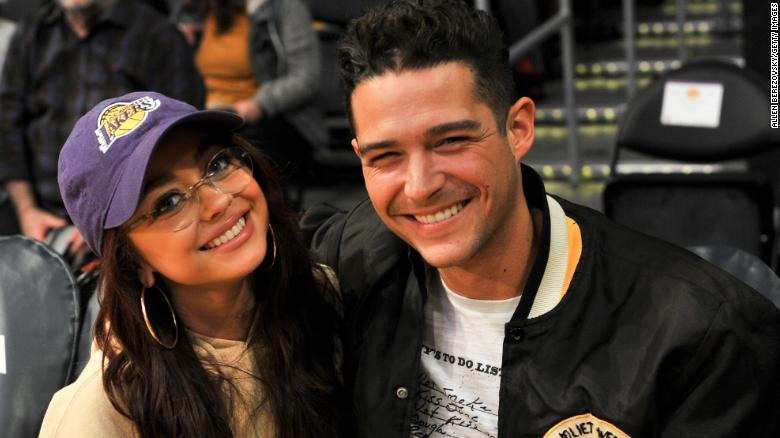 Modern Family star Sarah Hyland and Bachelorette contestant Wells Adams are engaged