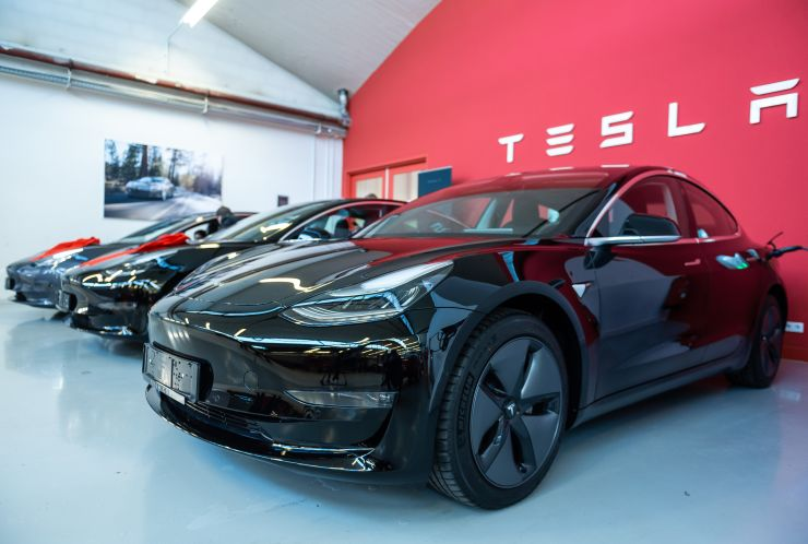 Tesla stock surges after setting new delivery and production records