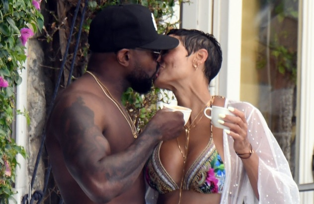 Antoine Fuqua seen kissing Nicole Murphy while married to Lela Rochon