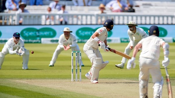 Englands Jack Leach frustrates Ireland on second morning of Lords Test