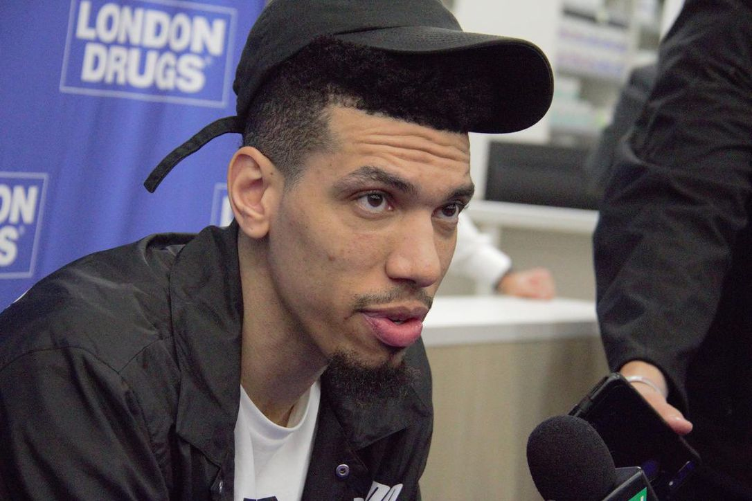 Danny Green tells Raptors fans to 'get your popcorn out' for the Kawhi Leonard watch