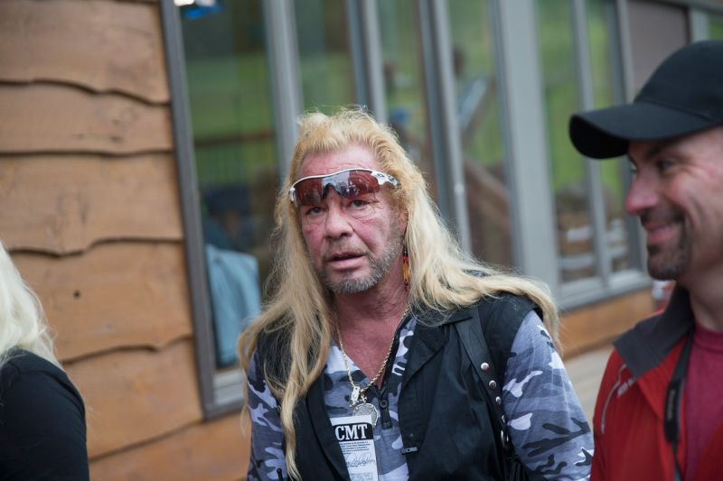 Dog the Bounty Hunter vows to track down whoever stole Beth Chapmans belongings: Watch out. Dog is coming for you