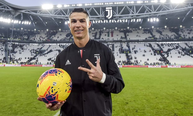 Ronaldo hits first Juventus hat-trick in cruise past Cagliari