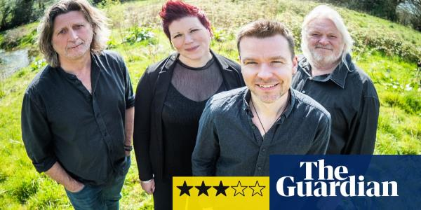 Show of Hands: Battlefield Dance Floor review – folk stalwarts keep it fresh