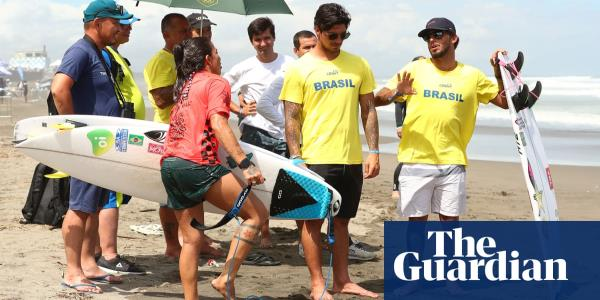 Brazil fire warning shot to surfing rivals in Olympic qualifier