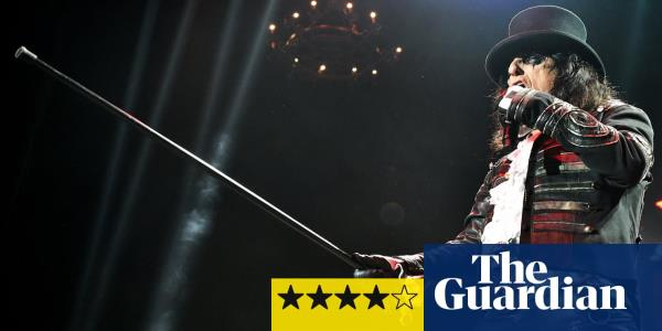 Alice Cooper review – a potent brew of sex, death and pantomime villainy