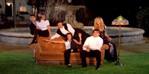 The Friends Fountain Was Actually Featured In Hocus Pocus And Our Minds Are Officially Blown
