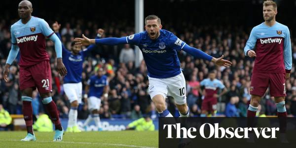 Everton relief for Marco Silva as Bernard and Sigurdsson sink West Ham