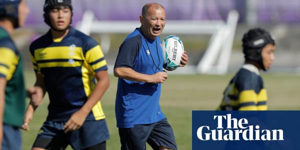 Englands Eddie Jones coaches Japanese youth side before World Cup final – video