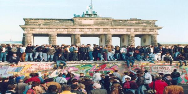 7 Extraordinary Stories About The Fall Of The Berlin Wall – Told By The People Who Lived Them