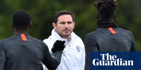 Chelsea players face fines of £20,000 for turning up late to training