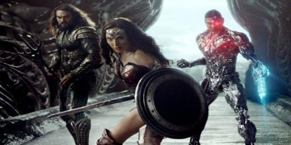 'Justice League: Gal Gadot Joins in Call to #ReleaseTheSnyderCut