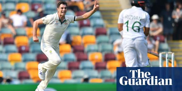 Australian pacemen keep Pakistan in check on opening day of Gabba Test