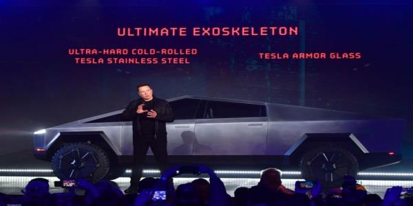 Elon Musk unveiled Teslas first electric truck. Its bulletproof, but its windows shattered, to Musks chagrin