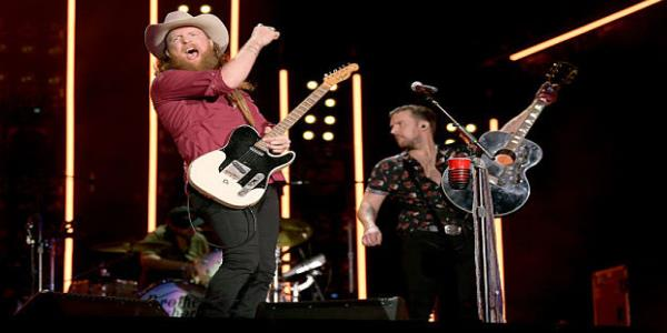 Brothers Osborne Thanksgiving Day Halftime Performance Marred by Sound Issues