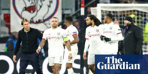 Memphis Depay confronts Lyon ultras over Marcelo donkey banner – video report