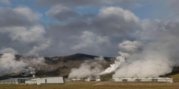 Icelandic scientists are transforming carbon dioxide into stone