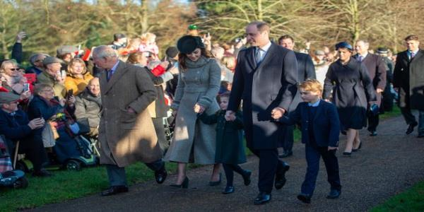 Prince George And Princess Charlotte Steal The Show At Royal Christmas Walk
