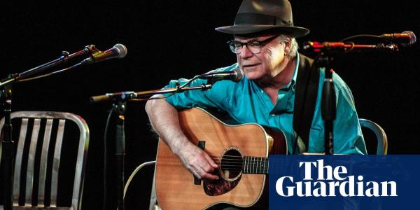 David Olney: acclaimed US songwriter dies on stage after apologising mid-song