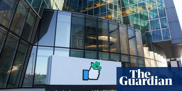 Facebook moderators told not to discuss working conditions