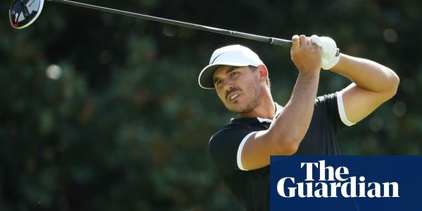 Brooks Koepka streaks into share of lead at Tour Championship