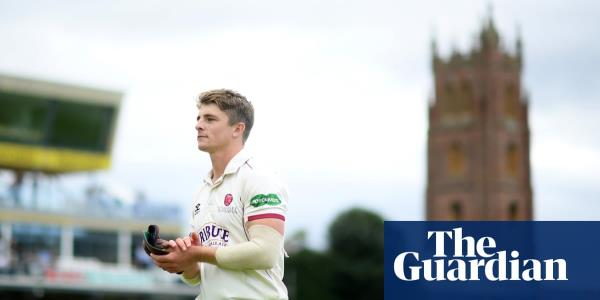 County cricket talking points: Somerset take advantage in title race