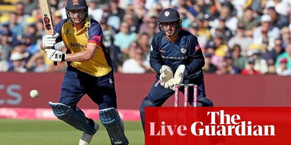 T20 Blast Finals Day: Worcs pip Notts to reach final, Derbyshire v Essex – live!