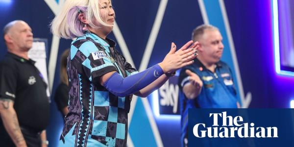 Womens darts champion Suzuki denied history in sudden-death at PDC