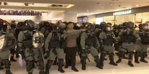 Police targets of both love and anger at Hong Kong rallies