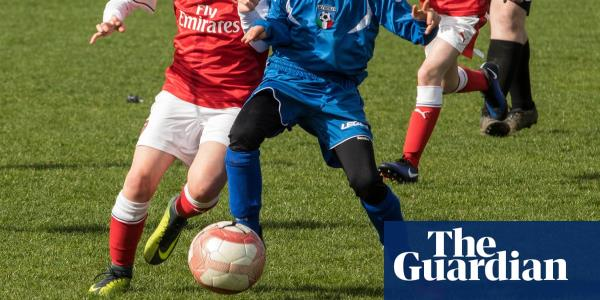 Mixed reception for move to ban children heading footballs