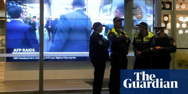 Australian federal police obtained six warrants to hunt down journalists' sources in 2018-19