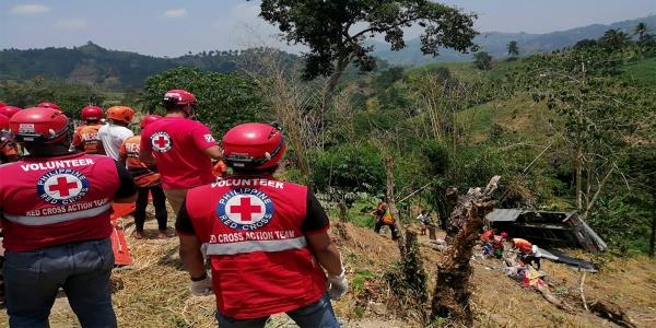 20 dead as truck falls off cliff in southern Philippines