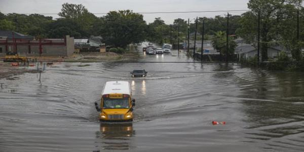 Imelda's toll in Texas: Flooding and fears about a bridge