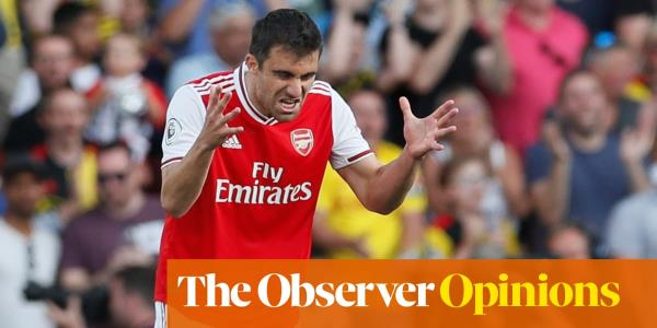 Is Arsenal's strategy of playing out from the back too great a risk? | Jonathan Wilson