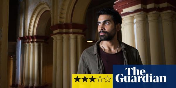 Darkness Visible review – mystery and murder on the streets of Kolkata