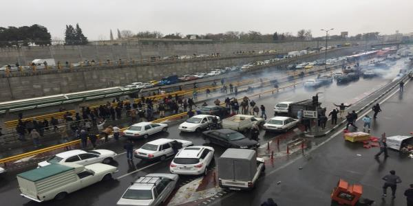 Irans Guards warn of decisive action if unrest continues