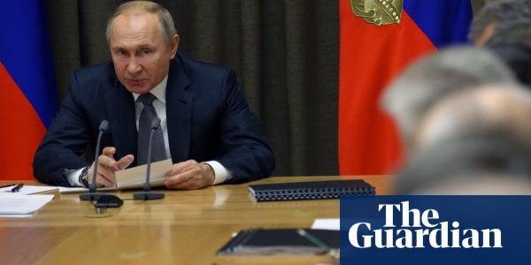 Putin approves law targeting journalists as foreign agents