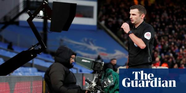 Premier League referees encouraged to use VAR monitors for red-card incidents