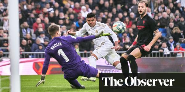 Casemiro at the double to help Real Madrid fend off Sevilla and top La Liga