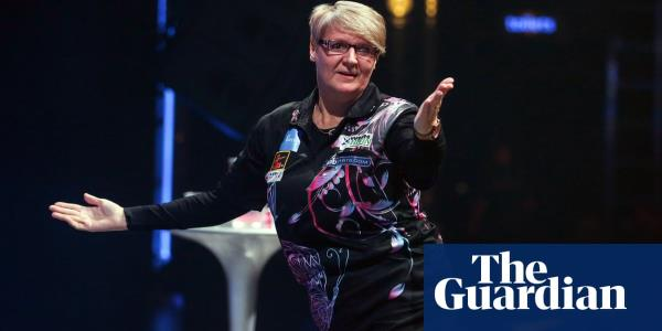Lisa Ashton creates history as first woman to win PDC Tour card