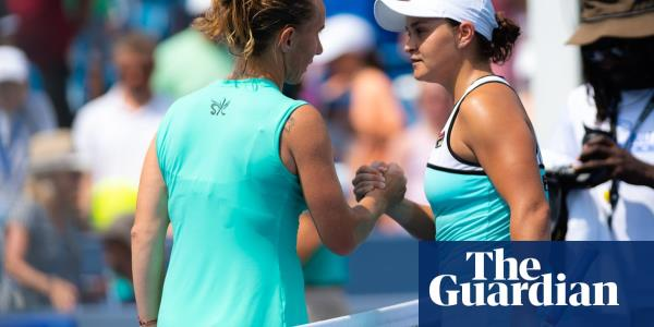 Svetlana Kuznetsova beats Ashleigh Barty to meet Madison Keys in final