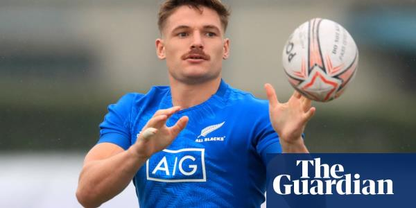 New Zealand go green for Ireland quarter-final while Schmidt plays it safe