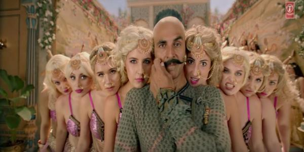 Didn't Akshay Kumar Protest Against 'Housefull 4' In 'Toilet: Ek Prem Katha'?