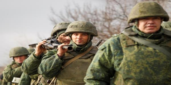 Dressed to Kill: Arming Ukraine Could Put It on a Path Towards War