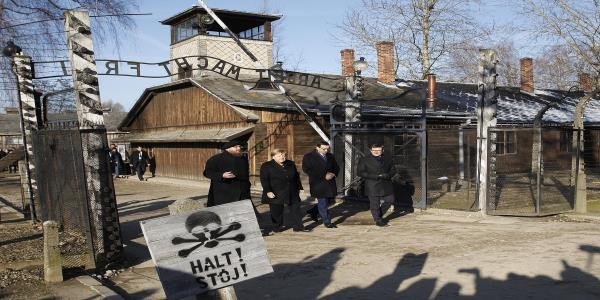 Germanys Merkel voices shame during 1st Auschwitz visit