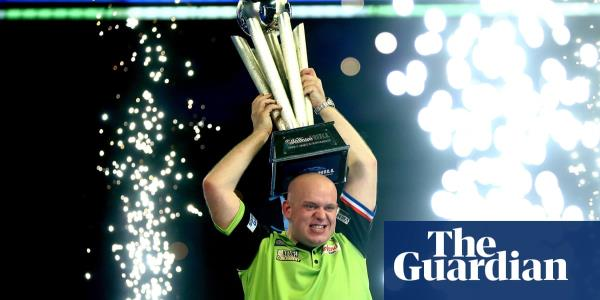 Light lies the crown before Michael van Gerwen's visit to the Palace | Jonathan Liew