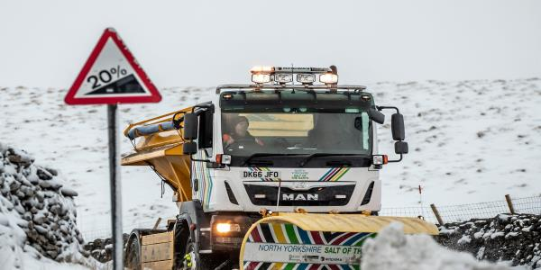 UK Weather: Road Gritters On Standby As Met Office Warns Of Snow And Ice