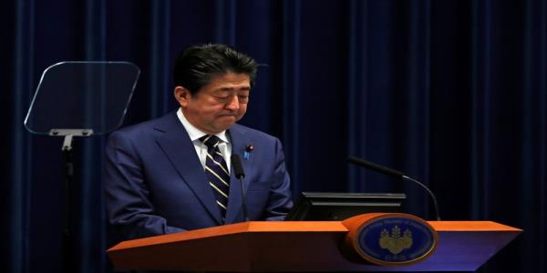Japans Abe vows unprecedented stimulus, Tokyo virus cases rise by daily record